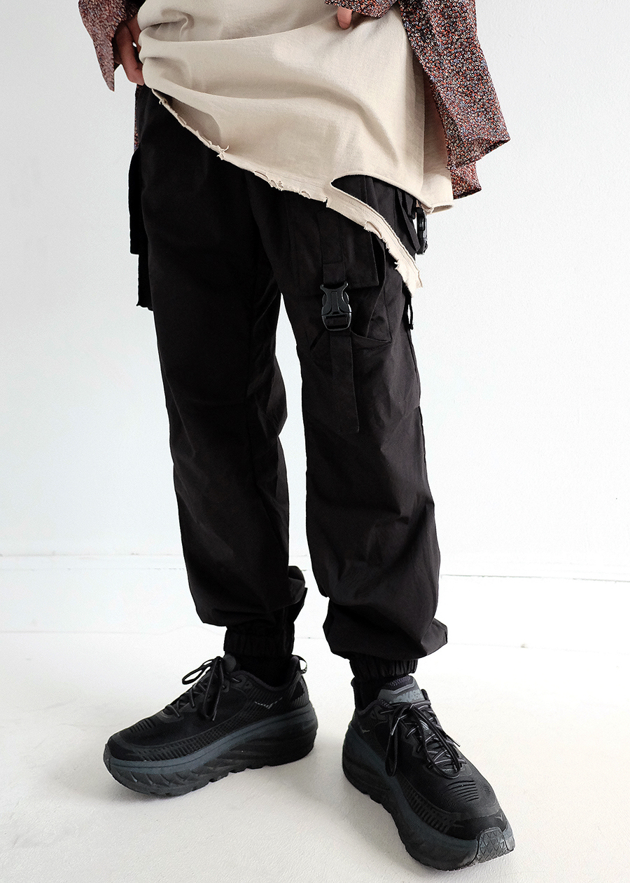 magazine cargo jogger pants(black !)