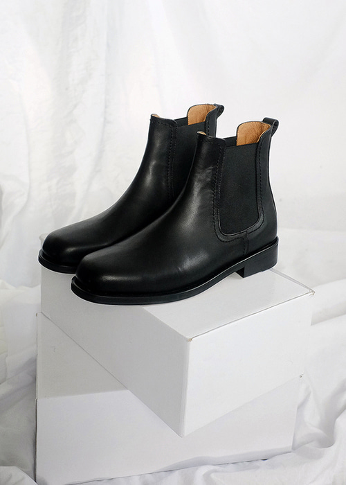 square chelsea boots(black !)