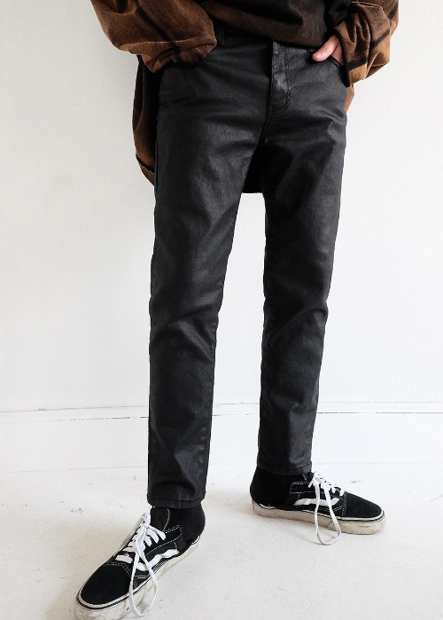 slim black coating jean